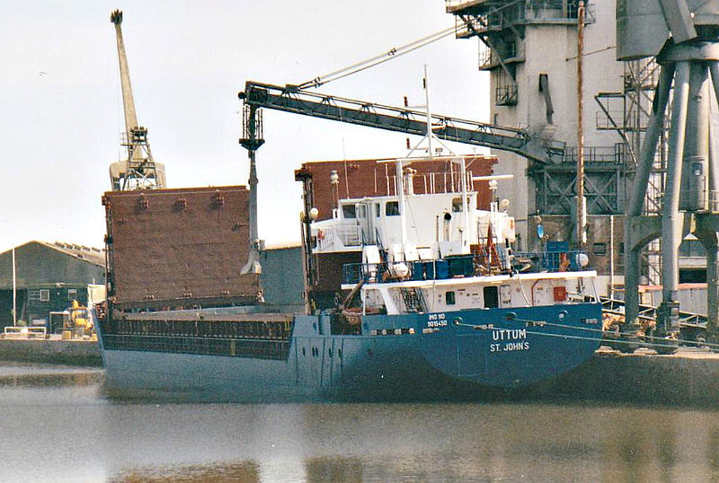 UTTUM (St Johns) - IMO9015450 - Cargo - ATG/2369/93 Schiffs Rosslauer, No.244 - 81.8 x 11.5 - Erwin Strahlmann - Kings Lynn, loading grain in Bentinck Dock, 20/09/07.