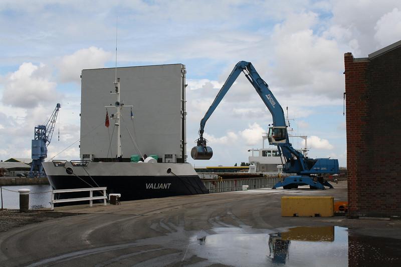 VALIANT (Bridgetown) - IMO9030503 - Cargo - BRB/2366/93 Schiffs Rosslauer, No.235 - 74.9 x 11.4 - Faversham Ships, Ryde, IOW - Kings Lynn, unloading fertiliser in Bentinck Dock, 07/07/09.