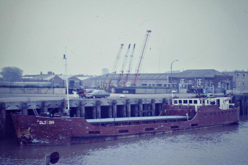 ROLSTON (Hull) - IMO5377240 - Cargo - GBR/435/62 Brazen Island Shipbuilding Co., Polruan Bay, No.3 - 45.3 x 7.2 - Charborder Ltd. - 07/87 broken up at Barton on Humber - Wisbech, awaiting unloading, 06/85.