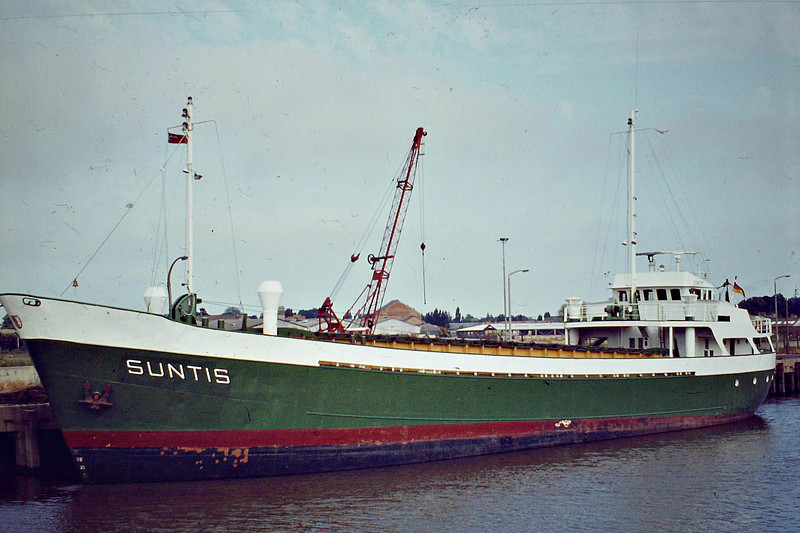 SUNTIS (Itzehoe) - IMO6618550 - DEU/791/66 Schiffs C Cassens, Emden, No.75 - 54.3 x 9.5 - Warnecke Schiffahrts GmbH - 2005 out of service - Wisbech, 07/83.