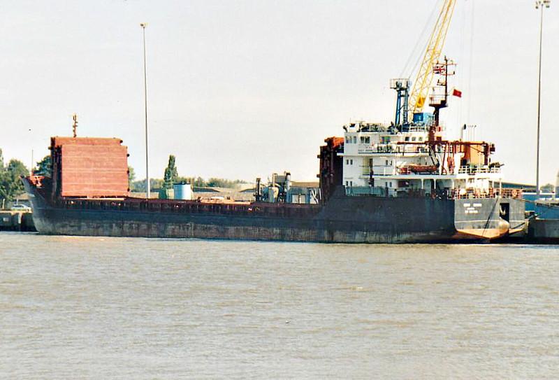 VASILIY SHUKSHIN (Valletta) - IMO9057288 - Cargo - MLT/2792/95 Volgogradskiy Shipyard, No.205 - 89.5 x 13.4 - Inok NV, Antwerp - Kings Lynn, unloading timber on Alexandra Quay, 27/08/07.