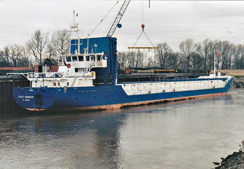 STADT HEMMOOR (St Johns) - IMO9313632 - Cargo - ATG/2950/05 Slovenske Lodenice, Komarno, No.2101 - 88.6 x 12.4 - Bojen Schiffs - still trading - Port Sutton Bridge, unloading steel, 21/02/08.