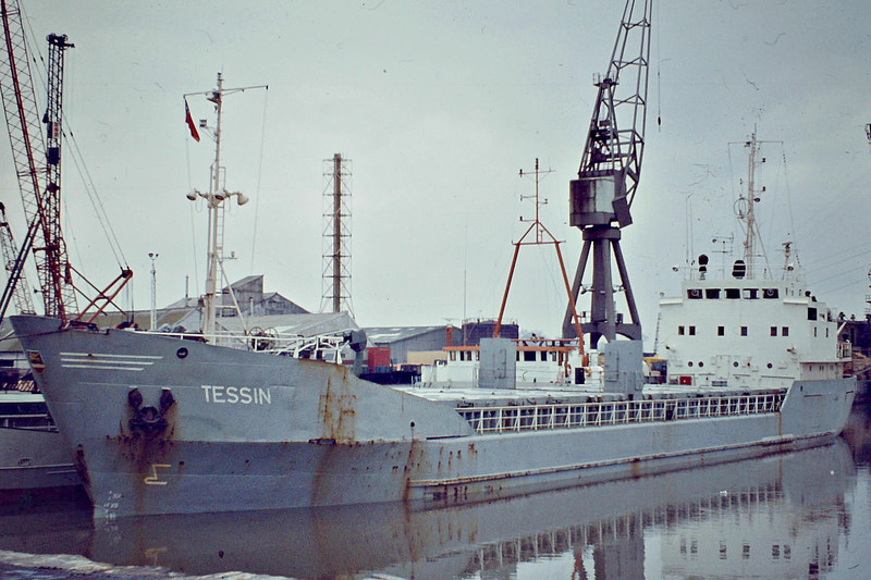 TESSIN (Rostock) - IMO7221419 - Cargo - DDR/1111/72 Elbewerft, Boizenburg, No.215 - Type 495 - 71.1 x 10.4 - VEB Deutfracht Seereederei - still trading as YUE YANG - Boston, to unload, 02/83.