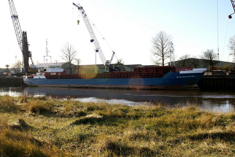 WILHELMINE STEFFENS (Wischhafen) - IMO8100583 - Cargo - DEU/1092/81 Schiffs Koetter, Haren Ems, No.72 - 74.3 x 9.5 - Hammann & Prahm, Wischhafen - Port Sutton Bridge, unloading steel, 09/12/08.