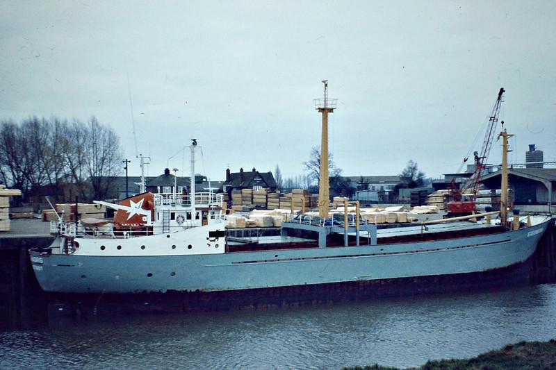 STEENBORG (Gluckstadt) - IMO6719885 - Cargo - DEU/775/67 Schiffs Ruhrorter, Ronneback, No.408 - 55.0 x 9.6 - Gunther Wulf - still trading - Wisbech, unloading timber at Crabmarsh for JOW Walker, 02/82.