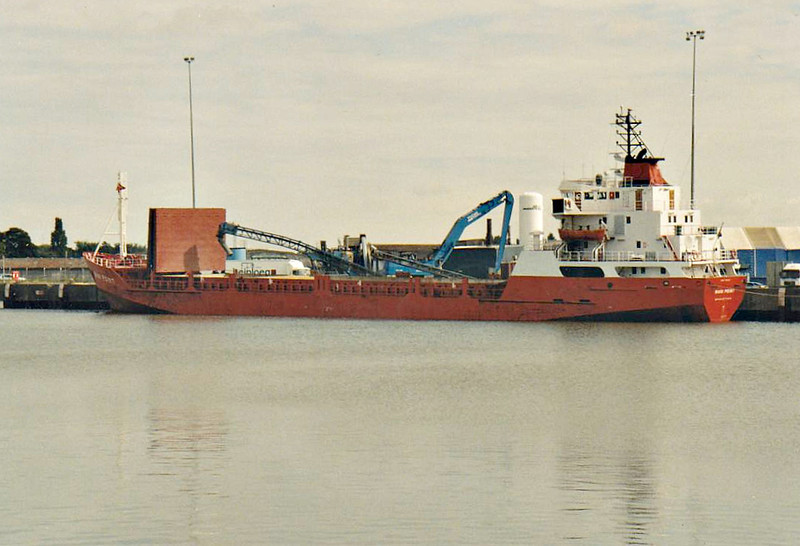 WANI POINT (Bridgetown) - IMO7708405 - Cargo - BRB/2525/79 Sin Koon Seng Shipyard, Singapore, No.428 - 88.0 x 12.7 - Continental Shipping - 2012 ALTAREK V (MDV) - Kings Lynn, loading grain on Alexandra Quay, 17/08/07.