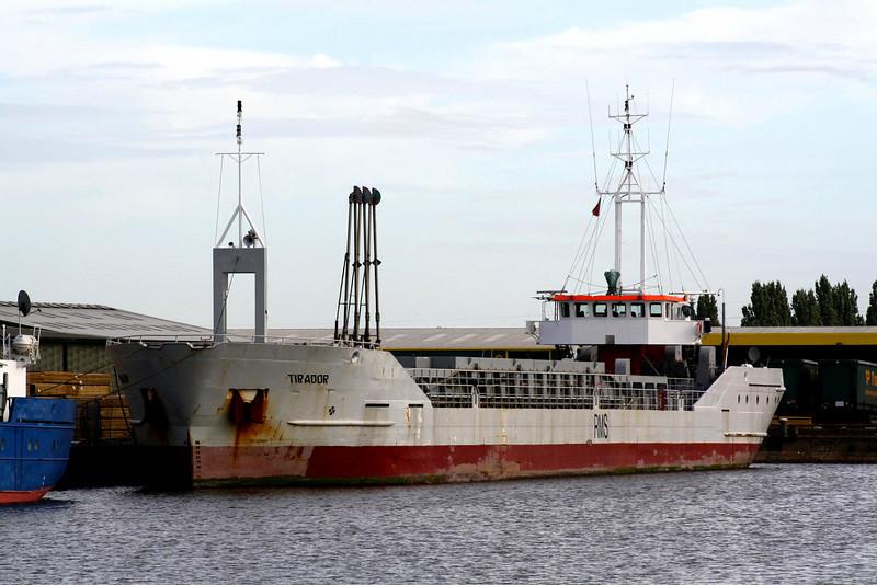 TIRADOR (Stade) - IMO9163702 - Cargo - DEU/2214/97 Scheeps Harlingen, No.203 - 88.2 x 11.4 - Hase Schiffs - Kings Lynn, waiting for a grain berth in Bentinck Dock, 25/08/09.