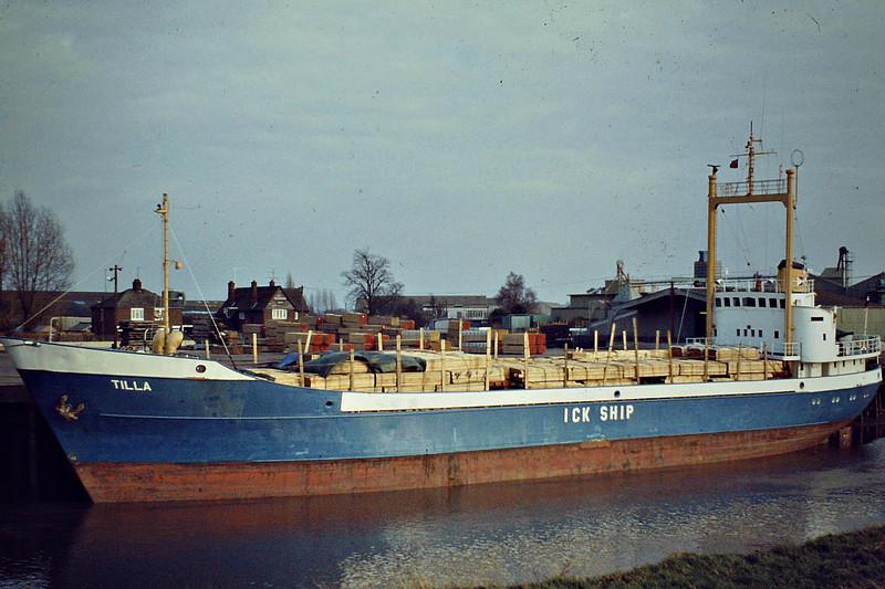 TILLA (Hamburg) - IMO6617855 - Cargo - DEU/1150/66 JJ Sietas Schiffs, Hamburg, No,585 - 68.4 x 10.6 - Wisbech, unloading timber at Walker's at Crabmarsh, 02/83 - still trading as MISTRAL (ATG).