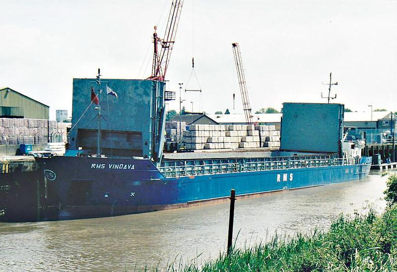 RMS VINDAVA (Belize City) - IMO8814201 - Cargo - BLZ/1739/89 Schiffs Hermann Suurken, Papenburg, No.359 - 74.9 x 10.6 - Rhein Maas & See Schiffs - Wisbech, unloading bricks, 08/08/07.