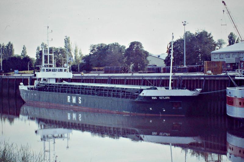 RMS SETLARK (Kingstown) - IMO8223127 - VCT/1572/83 Schiffs Hermann Suurken, Papenburg, No.320 - Vista Shipping - Port Sutton Bridge, to unload steel, 23/06/08.