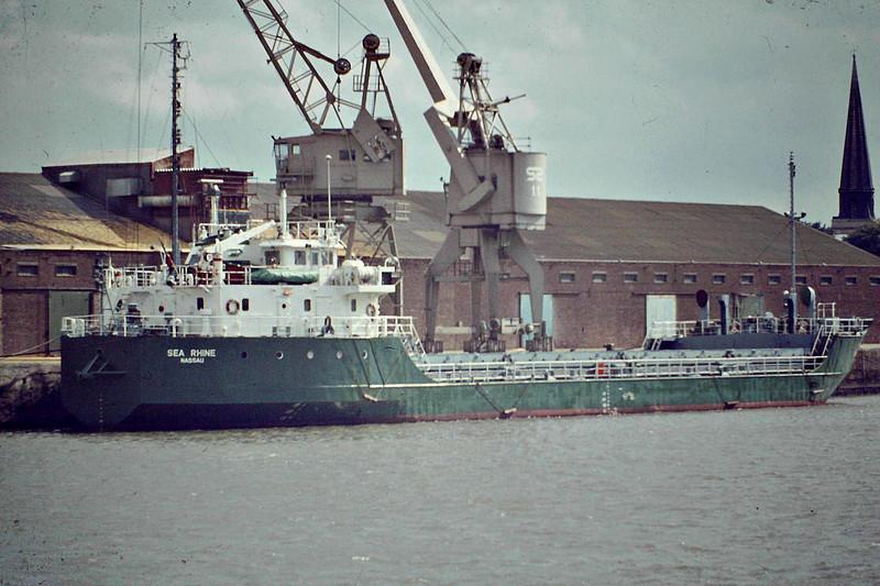 SEA RHINE (Nassau) - IMO7622091 - Cargo - BHS/2269/78 Kanrei Zosensho, Tokushima, No.245 - 69.0 x 13.5 - Freight Express Seacon - 25/12/06 sank 150nm east of Syracuse - Kings Lynn, unloading soya meal, 09/83