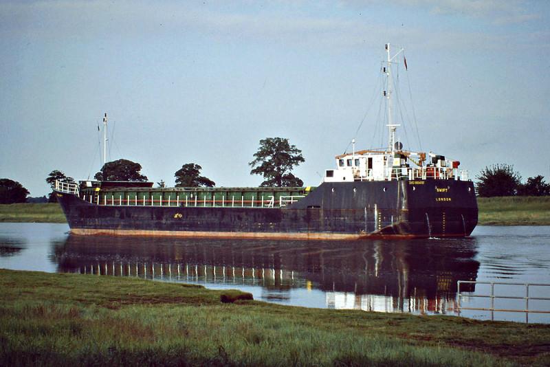 SWIFT (London) - IMO8804787 - Cargo - GBR/1399/89 Yorkshire Drydock Co., Hull, No.318 - 58.3 x 9.5 - Coastal Bulk Shipping - Port Sutton Bridge, inward bound on the Nene to unload steel, 05/06/08.
