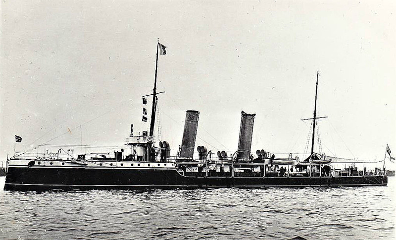 1889 to 1904- SHARPSHOOTER - Sharpshooter Class Torpedo Gunboat - 735 tons - 74.0 x 8.2 - 1889 HM Dockyard, Devonport - 2x4.7in., 5TT - 19 knots - 1904 Training Ship, renamed NORTHAMPTON,  1912 Harbour Service, 03/22 sold for breaking.