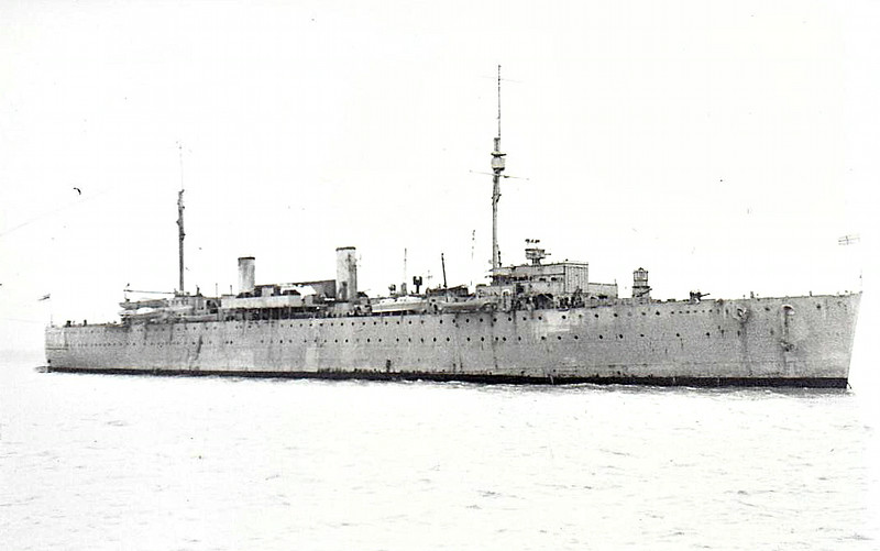 1935 to 1962 - WOOLWICH (A180) - Destroyer Tender - 8570 tons - 185.0 x 20.0 - 1935 Fairfields Shipbuilding & Engineering Co., Govan - 4x4in., 2x40mm, 4x20mm - 15 knots - 01/36 Mediterranean, 09/39 Alexandria, 01/44 Trincomalee, 02/45 Malta, 10/62 sold for breaking.