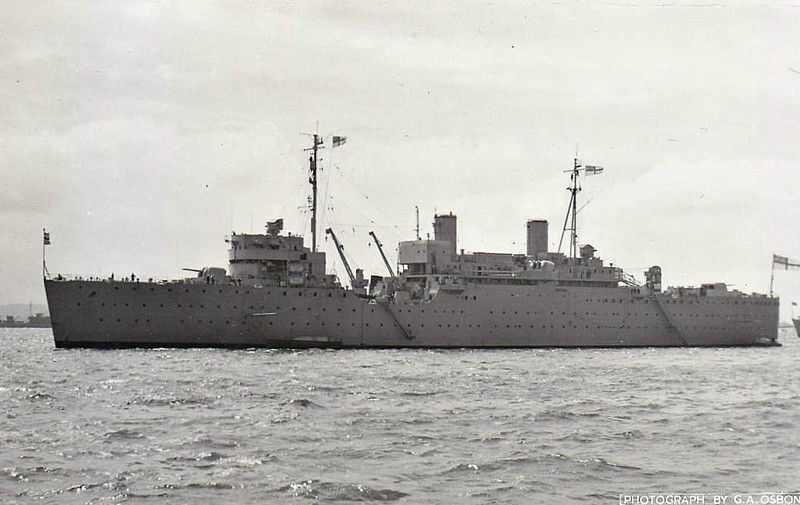1939 to 1979 - FORTH (A187) - Maidstone Class Submarine Depot Ship - 8900 tons - 151.0 x 22.0 - 1939 John Brown & Co., Clydebank - 8x4.5in., 8x40mm - 17 knots - 01/79 decommisioned, 07/85 sold for breaking.