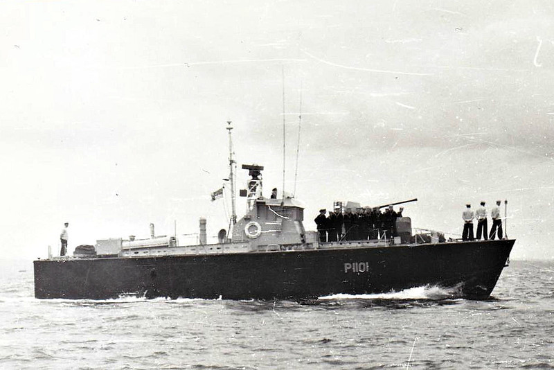 1954 to 1964 - DARK ADVENTURER (P1101) - Dark Class Motor Torpedo Boat - 64 tons - 21.8 x 5.9 - 1954 Saunders Roe Ltd., Beaumaris - 1x40mm, 4TT - 40 knots - 1964 sold for breaking.