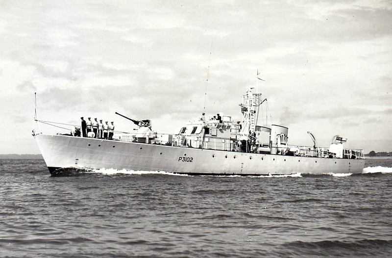 1952 to 1966 - ABERFORD (P3102) - Ford Class Seaward Defence Boat - 120 tons - 35.7 x 6.1 - 1952 Yarrow Shipbuilders, Scotstoun - 18 knots - 1966 to Nigeria as NYATI - fate not known - seen here in 04/54.