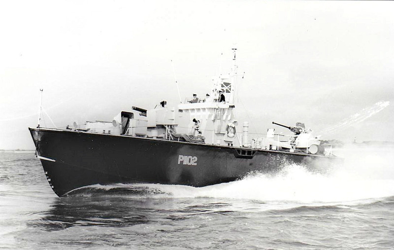 1955 to 1961 - DARK AGGRESSOR (P1102) - Dark Class Fast Attack Craft - 64 tons - 21.8 x 5.9 - 1955 Saunders Roe Ltd., Beaumaris - 1x40mm, 4TT - 40 knots - 02/61 sold for breaking - seen here in 1956 with 4.5in. gun forward and 40mm aft.