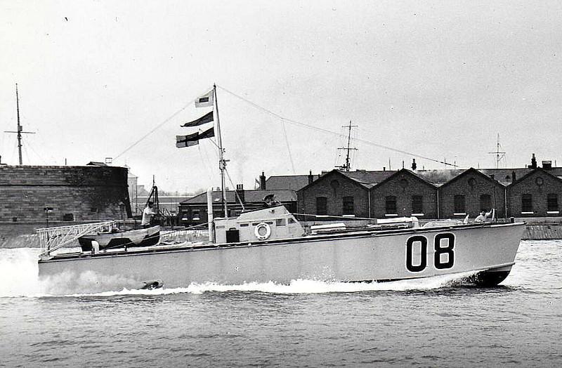 1937 to 1941 - MTB 08 - MTB 1 Class Motor Torpedo Boat - 20 tons - 18.4 x 4.2 - 1937 British Power Boat Co., Hythe - 2TT (not visible, at stern, internal), machine guns - 36 knots - 16/12/41 damaged beyond repair by aircraft bombs on slipway at Hong Kong.