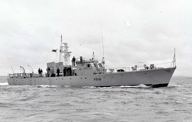 1953 to 1955 - DESFORD (P3108) - Ford Class Seaward Defence Boat - 120 tons - 35.7 x 6.1 - 1953 Vosper Thornycroft, Portsmouth - 18 knots - 1955 to Ceylon as KOTIYA - fate not known - seen here in 1954.