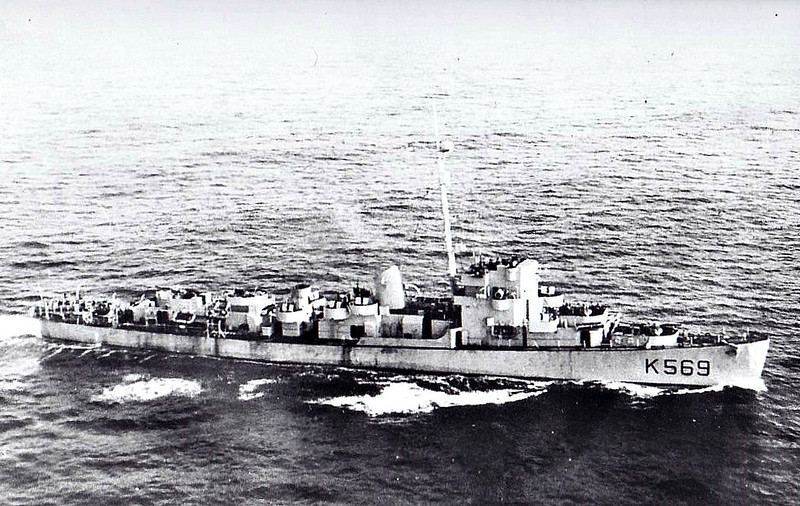 1943 to 1946 - MOUNSEY (K569) - Captain Class Frigate - 1140 tons - 88.2 x 11.1 - 1943 Boston Navy Yard, Boston, Mass. as USN DDE524 (Unnamed) - 3x3in., 2x40mmAA, 7x20mm, I Hedgehog - 20 knots - USN Evarts Class Destroyer Escort - 02/11/44 torpedoed by U295 whilst on Convoy RA61 in Barents Sea - repaired Kola Inlet - 10/05/45 took surrender of U1032 - last German submarine to sink an Allied warship during the war - 02/46 returned to US Navy - 11/48 broken up.
