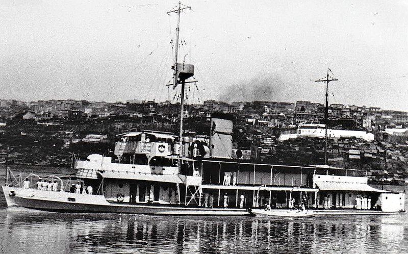 1927 to 1941 - PETEREL - Peterel Class River Gunboat - 310 tons - 54.0 x 8.8 - 1927 Yarrow Shipbuilders, Scotstoun - 2x3in. - 16 knots - 1927 China Station, 08/12/41 sunk by Japanese cruiser IDZUMO at Shanghai.