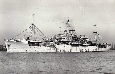 1940 to 1946 - GLENROY - Landing Ship Infantry - 9809GRT - 147.2 x 20.2 - 1938 Scotts Shipbuilders, Greenock, No.571 as GLENROY - 06/40 converted to LSI (6x4in., 4x40mm, 8x20mm), 1946 returned to owner, 11/66 broke up at Kure - seen here in 05/46.