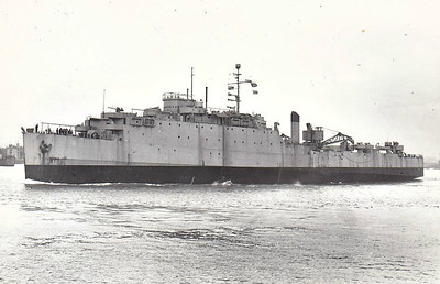 1944 to 1946 - OCEANWAY (F143) - Casa Grande Class Dock Landing Ship - 7930 tons - 139.6 x 22.0 - 1944 Newport News Shipbuilding and Dry dock Co., VA as USS CUTLASS (LSD) - 1x5in, 16x20mm - 15 knots - transferred to Royal Navy as HMS OCEANWAY (F143) whilst building - 06/06/44 D Day, 12/46 returned to USMC, 03/47 loaned to Greece as OKEANOS, 1952 returned to USMC, to France as FOUDRE (A646), 1969 decommisioned, 02/70 sunk as target - seen here in 01/46.