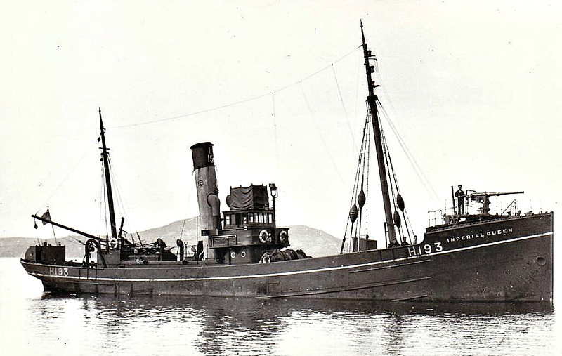 1915 to 1919 - IMPERIAL QUEEN - Hired Trawler - 246 tons - 1914 Dundee Shipbuilding Co., No.269 - 1x3in., 1x7.5in. bomb thrower - 1919 returned to owner - seen here in 1917.