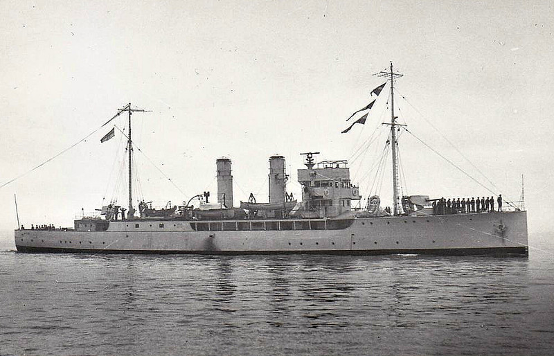 1915 to 1931 - WISTARIA - Arabis Class Minesweeping Sloop - 1250 tons - 81.6 x 10.2 - 1915 Irvine's Shipbuilding and Dry Dock Company, West Hartlepool - 2x4.7in., 2x47mm - 17 knots - 01/31 sold for breaking.