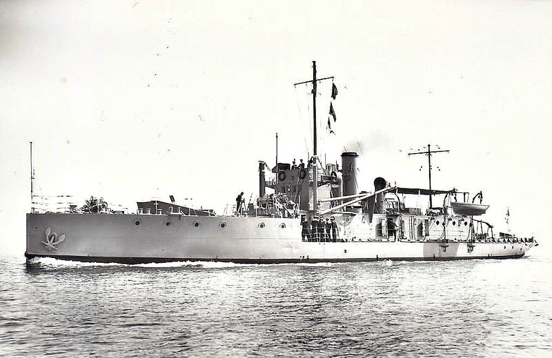1915 to 1939 - M33 - M29 Class Monitor - 580 tons - 54.0 x 9.4 - 1915 Harland & Wolff, Belfast - 2x6in - 12knots - 08/15 Dardanelles, 09/16 seizure of Greek Fleet, 1919 Murmansk, 1925 converted to Minelaying Training Ship, renamed MINERVA, as seen here in 08/36, 1939 hulked as C23, 1946 floating office, Gosport, 1984 bought for preservation.
