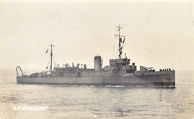 1918 to 1928 - NEWARK - Hunt Class Minesweeper - 710 tons - 70.0 x 8.5 - 1918 AJ Inglis & Co., Pointhouse - 1x4in. - 16 knots - 06/28 sold for breaking - seen here in 1928.
