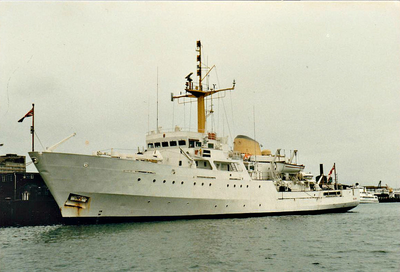 1968 to 2001 - BULLDOG (A317) - Bulldog Class Survey Ship - 1105 tons - 57.6 x 11.9 - 1968 Brooke Marine, Lowestoft, No.358 - 15 knots - 2001 sold for conversion to luxury yacht, renamed ALYSSA M II, 2012 broken up.