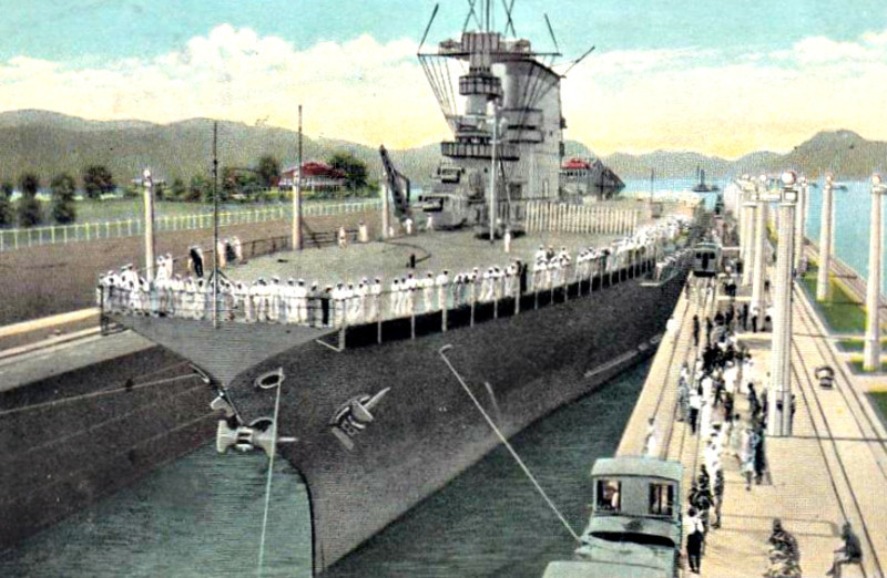 1927 to 1942 - LEXINGTON (CV2) - Lexington Clss Aircraft Carrier - 52600 tons - 270.7 x 32.8 - 1927 Fore River Shipbuilding Co., Quincy, MA - 8x8in., 12x5in., 78 a/c - 33 knots - 1927 Pacific Fleet, 07/12/41 absent from Pearl Harbour on aircraft ferry mission, 10/02/42 Rabaul, 03/42 Lae/Salamaua, 08/05/42 Battle of the Coral Sea, hit by 2 torpedoes and 2 bombs, set afire, sank, 215 dead - posted November 26th, 1934 - seen here squeezing into the Miraflores Locks - US Navy warships were built to fit within the dimensions of the Canal locks - posted November 26th, 1934.