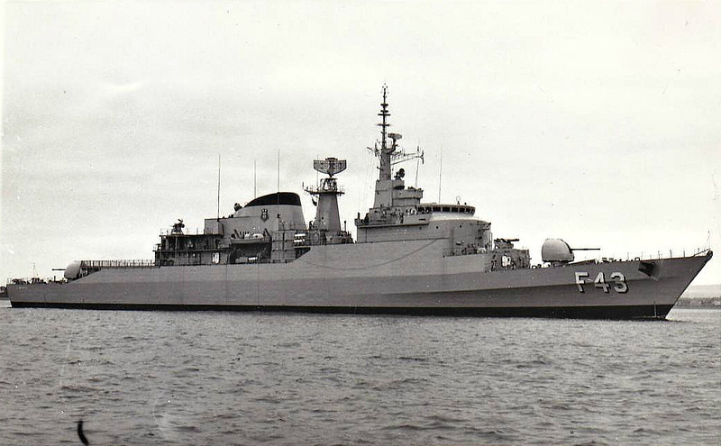 1978 to DATE - UNIAO (F43) - Niteroi Class Frigate - 3800 tons - 129.2 x 13.5 - 1978 Vosper Thorneycroft, - 1x4.5in., 2x20mm, Exocet, ASPIDE, 6TT - 30 knots - still in service - seen here 09/79.