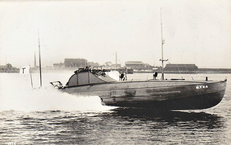1928 to 1945 - MTV 4 - Syosky Class Motor Torpedo Boat - 13 tons - 16.8 x 3.4 - 1928 Thornycroft Ltd, Woolston - 2xTT, 2DC, 1mg - 43 knots - named SYOSKY in Finnish service, 06/07/41 sank Russian sailing ship by fropping depth charges in front of it, 01/09/41 sank Russian freighter MEERO of 1866 tons, 22/09/41 sank Soviet minehunter T4 off Gogland, 18/11/42 torpedoed and sank Russian gunboat KRASNOYE ZNAMYA (1760 tons) off Lavansaari, 1943 torpedoes removed, 1x20mm fitted, 1945 decommisioned - seen here on trials at Sheerness.