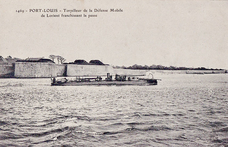 1887 to c.1905 - 78 - No.75 Class Torpedo Boat - 53 tons - 35.0 x 3.4 - 1887 Ateliers & Chantiers de la Loire, Nantes - 2TT - 20 knots - highly unstable and slow, all discarded by 1910.