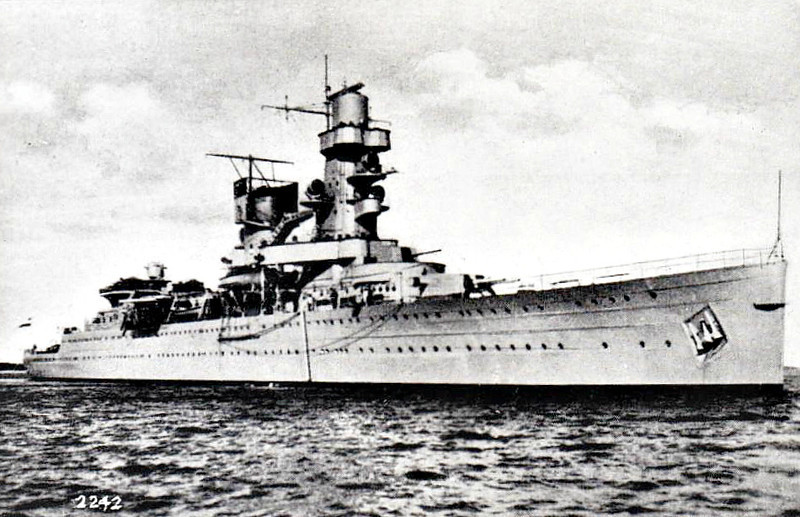 1936 to 1942 - DE RUYTER - Light Cruiser - 6545 tons - 170.9 x 15.7 - 1936 Wilton Fijenoord, Schiedam - 7x150mm, 10x40mm, 2 a/c - 32 knots - 04/02/42 Battle of Bali Sea, slightly damaged, 18/02/42 Battle of the Badung Strait, 27/02/42 Battle of the Java Sea, torpedoed by Japanese cruiser HAGURO, sank, 345 dead.
