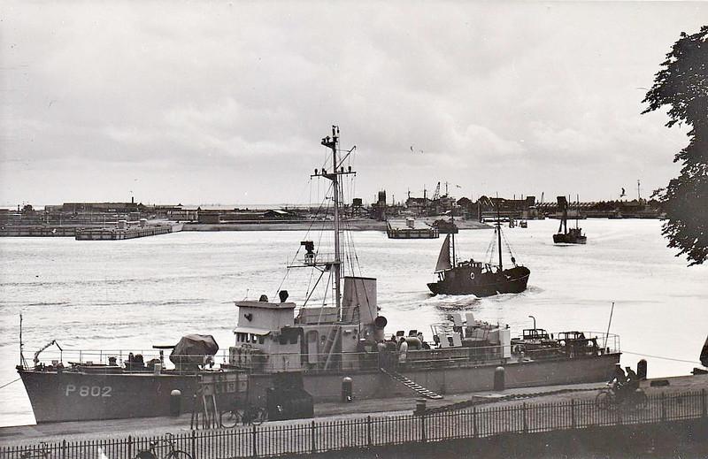 1954 to 1985 - BALDER (P802) - Balder Class Patrol Boat - 225 tons - 36.4 x 6.2 - 1954 Rijkswerf, Willemsnoord - 1x40mm, 3x20mm - 15 knots - 1975 to Reserve, 1985 sold for breaking - seen here at Den Helder.