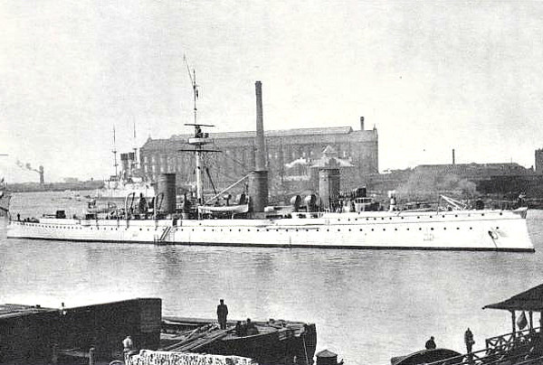 1901 to 1904 - NOVIK - Novik Class Protected Cruiser - 3129 tons - 110.0 x 12.2 - 1901 Schiffs Schichau, Elbing - 6x4.7in., 6x47mm, 2x37mm, 5TT - 25 knots - 02/04 Battle of Port Arthur, 10/08/04 Battle of the Yellow Sea, escaped, scuttled in Aniva Bay, Sakhalin, raised by Japanese, 08/06 commisioned in IJN as SUZUYA, 04/13 decommisioned and scrapped - seen here in 1902.