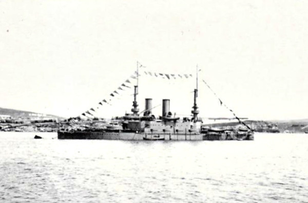 1896 to 1923 - TRI SVIATITELIA - Pre-Dreadnought Battleship - 13532 tons - 115.2 x 22.3 - 1896 Nikolayev Dockyard - 2x12in., 8x6in., 4x4.7in., 10x47mm, 40x37mm, 6TT - 16.5 knots - 1911 refit: polr masts fitted, 4.7in. guns replaced by 6in., light guns and all but 2TT removed - 1896 Black Sea Fleet, 1899 first ship in the world to be fitted with radio, 17/11/14 Battle of Cape Sarych against GOEBEN and BRESLAU, 1915/16 bombarded Turkish fortifications, 05/18 captured in Sevastopol by Germans, 12/18 surrendered to Allies, 04/19 engines wrecked to prevent use by Bolsheviks, 1923 scrapped - seen here in 1908.