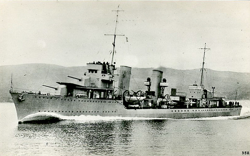 1932 to1941 - DUBROVNIK - Destroyer - 2884 tons - 113.2 x 10.7 - 1932 Yarrow & Sons, Poplar - 4x140mm, 2x83mm, 4x40mm, 6TT, 40 mines - 37 knots - first major warship built for Yugoslavian Navy - 17/04/41 captured by Italian troops in Kotor Bay, 25/04/41 commissioned in Italian Navy as PREMUDA, 09/09/43 captured by Germans, commissioned as TA32, 18/03/45 Battle of the Ligurian Sea, damaged, 24/04/45 scuttled at Genoa, wreck subsequently raised and scrapped.