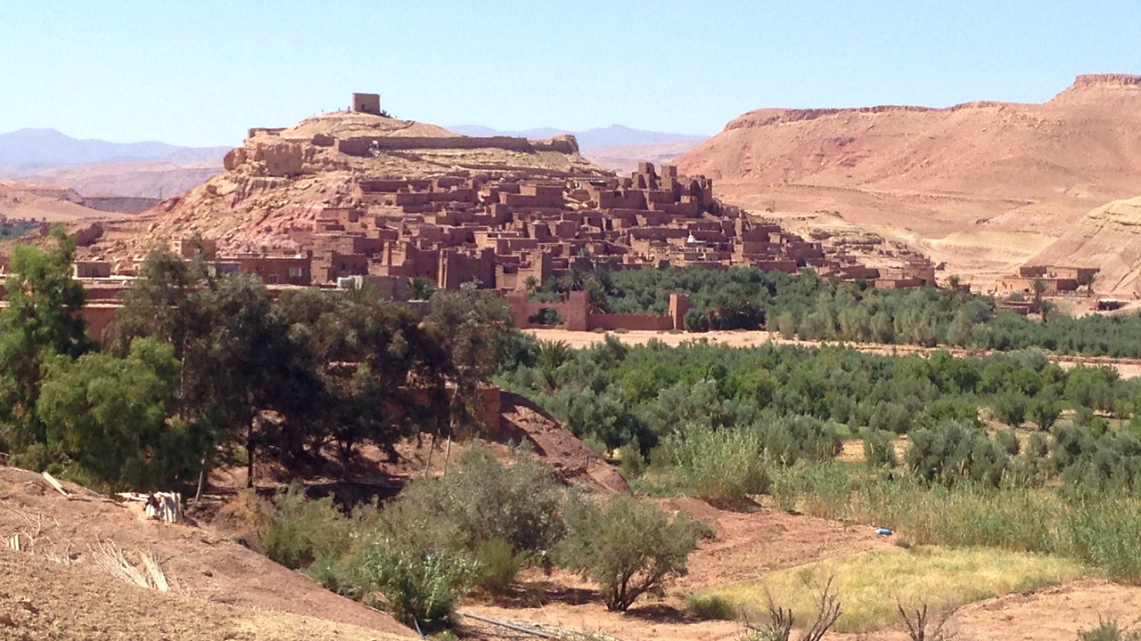 Change of venue -- to our recent Morocco tour with guide Jesse Fagan. Here, his image of the fortified city of Ait Benhaddou.