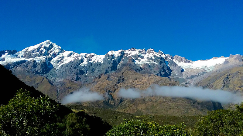 Cordillera Urubamba -- the lovely view from the pass at Abra Malaga. Photo by participant Theo Haugen.
