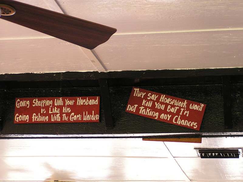 "Classic Texas Coast diner wisdom [Photo by participant Peter Heilbroner]<div id=""caption_tourlink"" align=""right"">Link to: <a id=""caption_tourlink"" href=""http://www.fieldguides.com/mig.htm"" target=""_blank"">TEXAS COAST MIGRATION SPECTACLE</a><br>[photo © Peter Heilbroner]</div>"