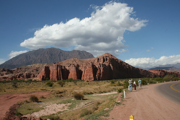 "Part of our group birding at dramatic El Castillo (The Castle) in the Quebrada de Cafayate.<div id=""caption_tourlink"" align=""right"">Link to: <a id=""caption_tourlink"" href=""http://www.fieldguides.com/argentnorthwest.htm"" target=""_blank"">NORTHWESTERN ARGENTINA</a><br>[photo © guide Dave Stejskal]</div>"