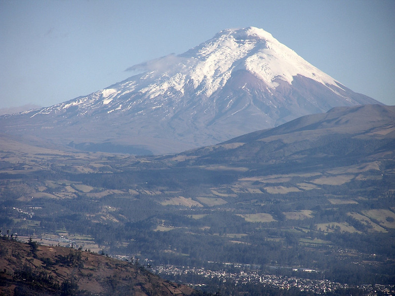 "Cotopaxi <br><div id=""caption_tourlink"" align=""right""> [photo © participant Jason Leifester]</div>"