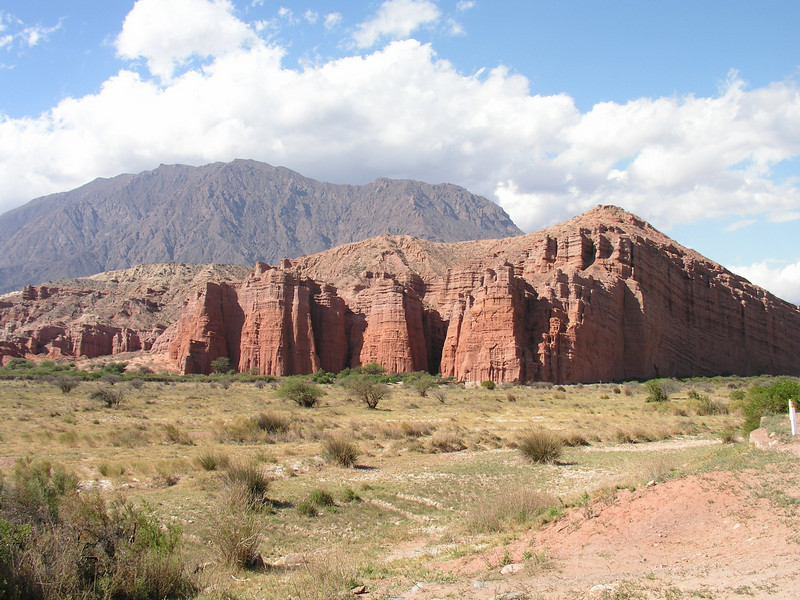 "Quebrada de Cafayate <div id=""caption_tourlink"" align=""right""> [photo © guide Dave Stejskal]</div>"