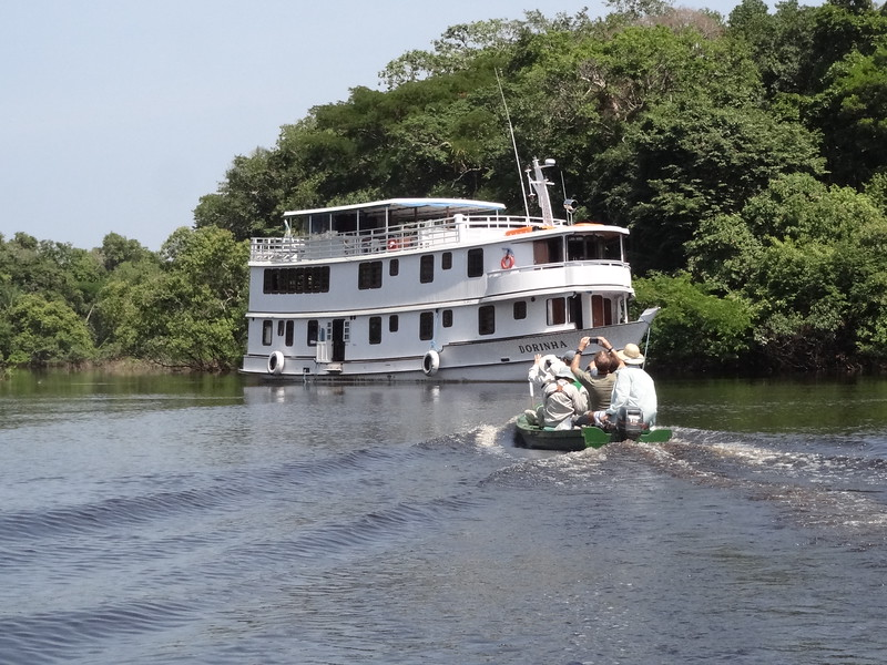 Returning to our boat for lunch after a morning's birding. Photo by guide Dan Lane.