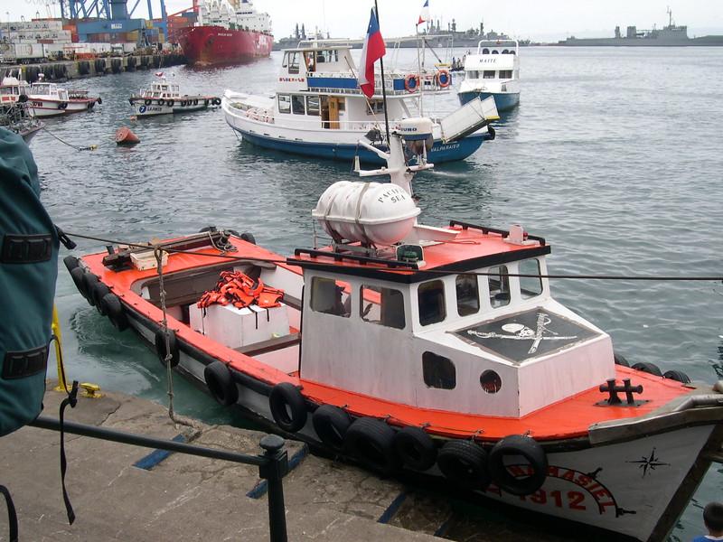 "Our pelagic trip boat Valparaiso, Chile (Joy Wallis cch08)  <div id=""caption_tourlink"" align=""right""> [photo © guide Alvaro Jaramillo]</div>"